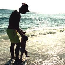 Trotz fieser Trennung zeigt sich Sarah Lombardi erwachsen, wenn es um ihren Sohn Alessio geht: Sie gratuliert Pietro Lombardi zum Vatertag und postet dazu ein Foto der beiden.