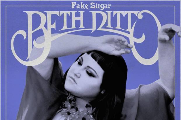 """Eine Wundertüte mit Punk- und Disco-, Pop- und Country-Elementen: Beth Dittos Soloalbum """"Fake Sugar"""" (ab 16. Juni)"""