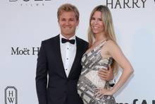 Nico Rosberg mit schwangerer Ehefrau Vivian Sibold bei der AmfAR Cinema Against AIDS Gala im Rahmen der 70. Internationalen Filmfestspielen in Cannes