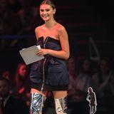 """Beim Finale von """"Germany's next Topmodel"""" trägt die Siegerin der neunten Staffel ein Vintage-Bomber-Kleid von Miu Miu und Balenciaga Boots für 1.595 Euro, die auch schon Kim Kardashian getragen hat."""