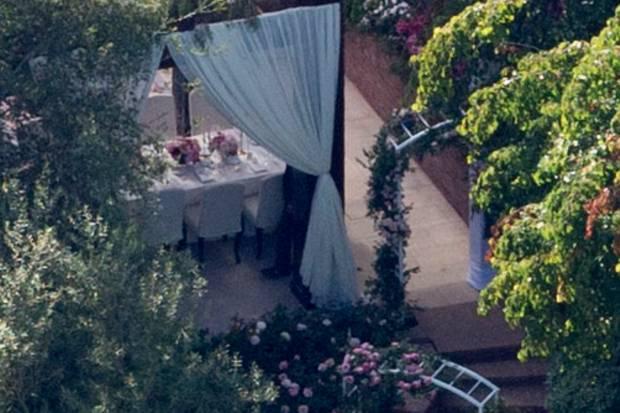 Heimliche Hochzeit im Garten: Miranda Kerr heiratet Snapchat-Gründer