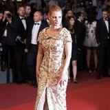 """Jessica Chastain besucht die """"Aus Dem Nichts""""-Premiere im goldenen Brokat-Look."""