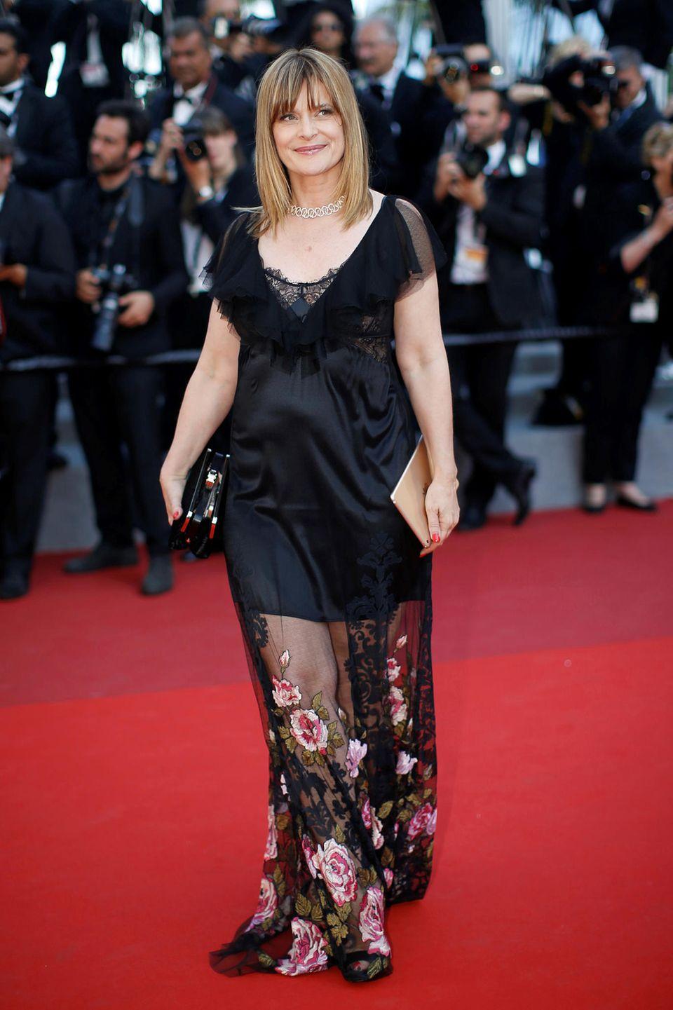 Spitze, Seide, florale Stickereien, alles dabei... richtig gelungen ist Nastassja Kinskis Red-Carpet-Look dennoch nicht.