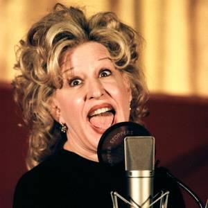 Hollywood-Ulknudel und Sängerin Bette Midler hatte ihren enormen Erfolg in den letzten Jahrzehnten auch ihrer spaßigen Mimik zu verdanken.