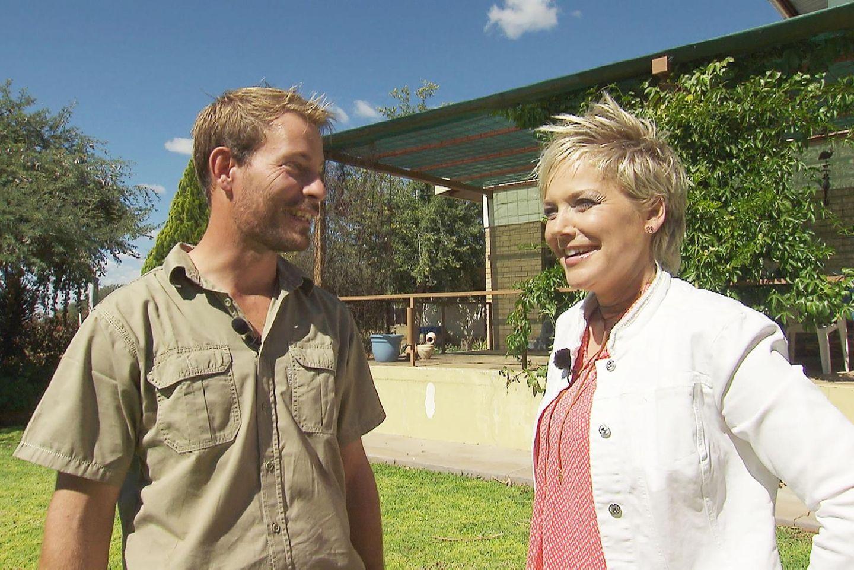 """Gerald aus Namibia macht mit bei """"Bauer sucht Frau"""" mit Inka Bause."""