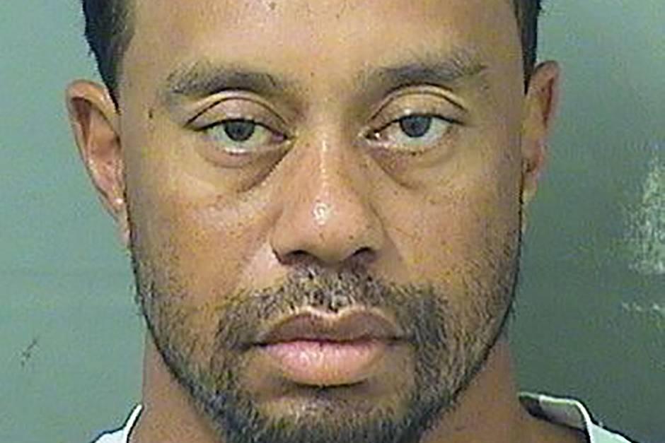 Das Polizeifoto gibt Anlass zur Sorge: Der einstige Superstar Tiger Woods sieht müde und ungepflegt aus.