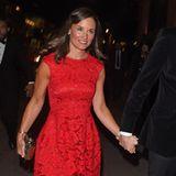 """Als sexy """"Lady in Red"""" begeistert Pippa Middleton 2014 an der Seite ihres damaligen Lebensgefährten Nico Jackson."""