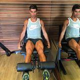 Was hat er bloß mit seinen Oberschenkeln? Cristiano Ronaldo trainiert wieder fleißig seine Beinmuskulatur, die er bei jeder Gelegenheit in den sozialen Medien demonstriert. Ein Schönheitsideal der etwas anderen Art.