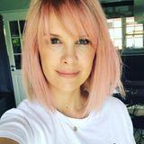 Monica Meier-Ivancan hat sich getraut und ihr blondes Haar gegen diese auffälligen Look in Rosa getauscht. Was wohl ihr gleichnamiges Töchterchen Rosa dazu sagt?!