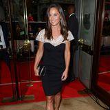 Pippa Middleton wieder ganz klassisch: Hier trägt sie ein schwarz-weißes Etuikleid vonAlice Temperley.