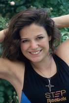 Na, ahnen Sie es schon? Diese dunkelhaarige Schönheit ist Schlagersängerin Michelle. 1993 war Anfang 20 und noch brünett.