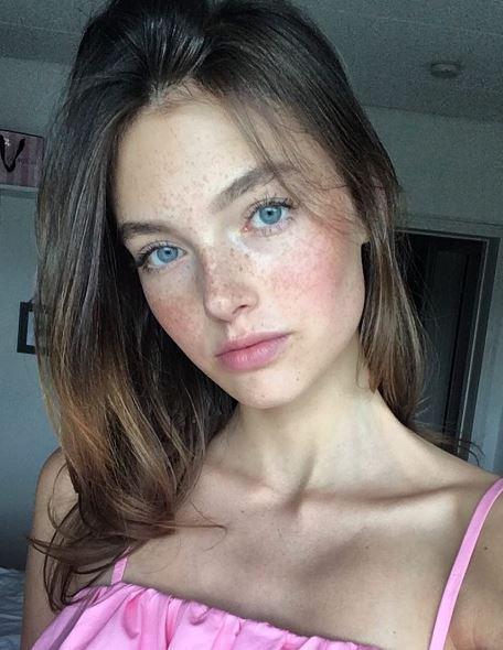 GNTM Céline Bethmann: So schön ist ihre Schwester Fabienne!