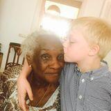 3. Juni 2017  Hautfarbe? Das spielt bei der Familie Becker keine Rolle. Denn so hell Lilly Beckers Sohn Amadeus auch sein mag, durch seine aus Suriname stammende Urgroßmutter und ihn fließt dasselbe Blut. Für diese Vielfalt ist Mutter Lilly Becker sehr dankbar.
