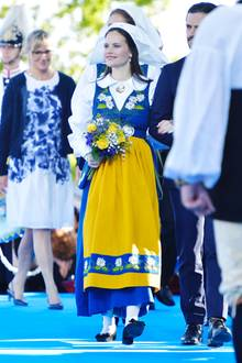 Am Nationalfeiertag schlüpft die schwangere Prinzessin Sofia in die schwedische Nationaltracht, die ihren Babybauch...