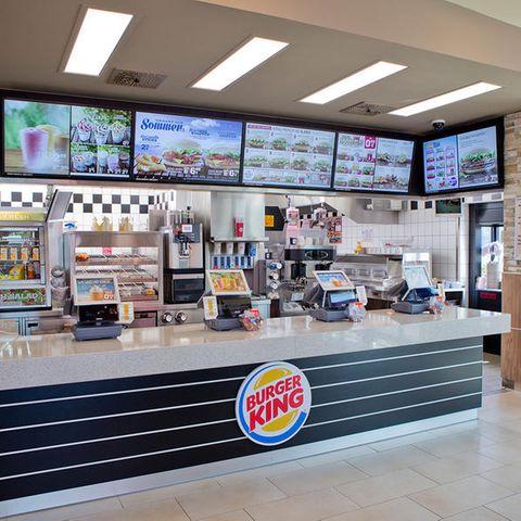 Tresen in einer Burger-King-Filiale.