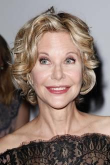 Meg Ryans Botox-Behandlungen sind seit Jahren nicht zu übersehen, und teilweise sah sie gar nicht mehr aus, wie sie selbst. Aber die Wirkung von Botox lässt nach einigen Monaten nach, die Gesichtsmuskel lassen sich dann wieder bewegen und die Mimik wirkt natürlicher.