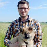 Der bayrische Bio-Bauer Anton (33) aus dem Allgäu hat einen Bio-Milchviebetrieb. Er lebt mit seinen Eltern auf dem Hof.