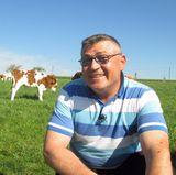 Bauer Lothar (49) aus der Eifel, Rheinland-Pfalz, betreibt Viehzucht und Getreideanbau.
