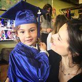 11. Juni 2017  Alessandra Ambrosio ist stolz auf ihren Jungen Noah: Der Kleine hat die Vorschule abgeschlossen.