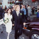 """1995: Rudi Völler und Sabrina  1985 heiratete Rudi Völler seine Jugendliebe """"Angie"""", mit der er zwei Kinder hat. Im Januar 1995 ließen sich die beiden scheiden. Nur acht Monate später heiratet Rudi die Italienerin Sabrina (Foto). Gemeinsam haben sie ebenfalls zwei Kinder, plus eines aus Sabrinas erster Ehe."""
