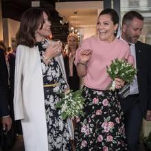 Prinzessin Mary und Prinzessin Victoria - hier bei einem Einkaufsbummel in Stockholm am 30. Mai 2017 - sind enge Freundinnen