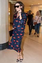 Ob Victoria Beckham auch mal einen Bad-Style-Day hat? Im Kiss-Kleid jedenfalls nicht