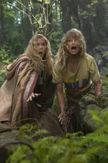 Emily (Amy Schumer) und Linda (Goldie Hawn) reisen als urkonisches Mutter-Tochter-Gespann in ein wildes Dschungelabenteuer.
