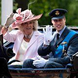 2010: Es ist das letzte Jahr, in dem Prinz William ohne Kate an der Parade teilnimmt. Zwölf Monate später soll sein Platz in der Kutsche neben Herzogin Camilla von der brünetten Schönheit eingenommen werden.