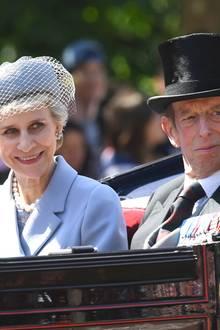 """Birgitte, Duchess of Gloucester und Prinz Edwart bei Trooping the Colour, der offiziellen Geburtstagsparade für die Queen am """"Horse Guards Parade""""."""