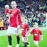 Coleen Rooney gratuliert ihrem Mann, dem Fußballstar Wayne Rooney, mit diesem Foto zum Vatertag.
