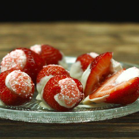 Blitz-Rezepte: Leckeres Erdbeereis selber machen