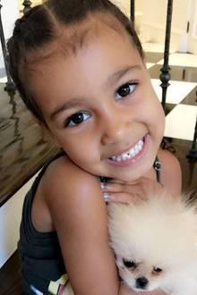 """23. Juni 2017  """"Meine kleine Northie! Dieses süße Gesicht!"""", postet Tante Khloé Kardashian über Kim Kardashians Tochter North."""