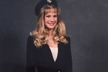 """So süß sah January Jones als Teenie aus: Die Schauspielerin postete dieses lustige Throwback-Foto mit den Worten: """"Zur Erinnerung an mich. Bleib Single, Mädchen."""""""