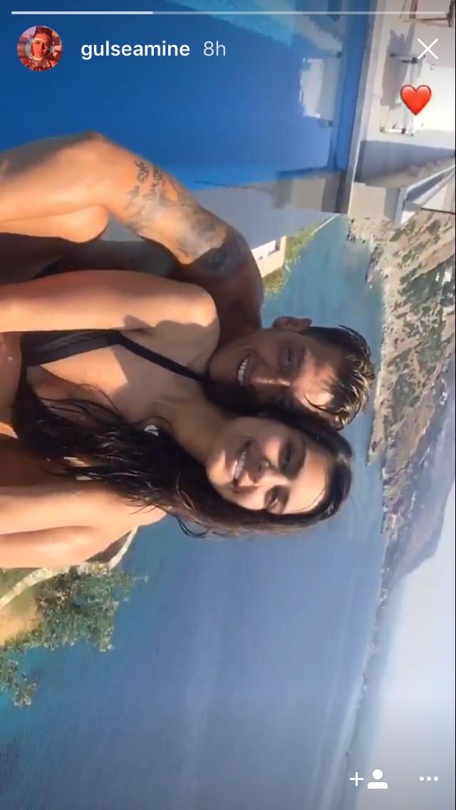Mesut Özil undAmine Gülşe zeigen sich verliebt.