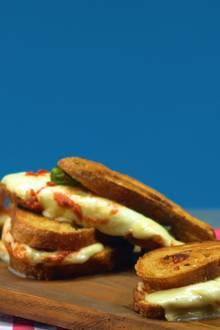 Brotzeit: Gegrilltes Pizza Sandwich