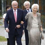 """In Belgien heißt es Ende Juni """"Partytime"""": Königin Paola hat zu ihrem 80. Geburtstag nach Waterloo geladen. Zusammen mit ihrem Mann, König Albert, kommt sie als erstes an der Musikkapelle Königin Elisabeth an."""