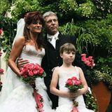 29. Mai 2017  Einen Tag nachdem Andrea Berg ihren 10. Hochzeitstag gefeiert hat, beglückt sie ihre Follower mit diesem tollen Throwback. Darauf sieht man, wie sie vor einem Jahrzehnt als hübsche Braut aussah.