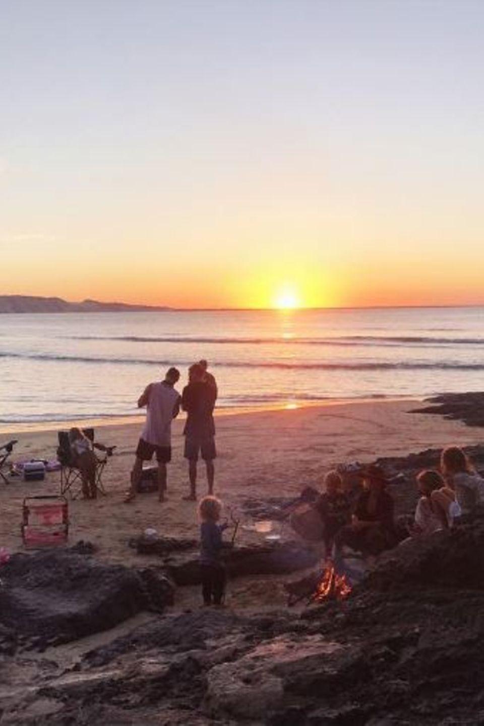 26. Juni 2017  Auch Elsa Pataky ließ es sich nicht nehmen, ein Foto von dem himmlischen Wochenende am Strand zu posten.