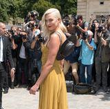 Frisch erblondet bei Dior: Topmodel Karlie Kloss