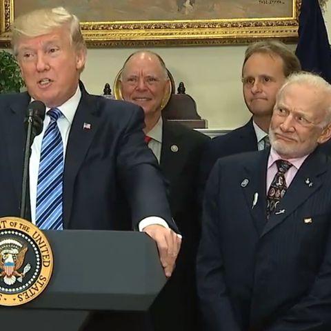 Donald Trump und Buzz Aldrin am 30. Juni im Weißen Haus.