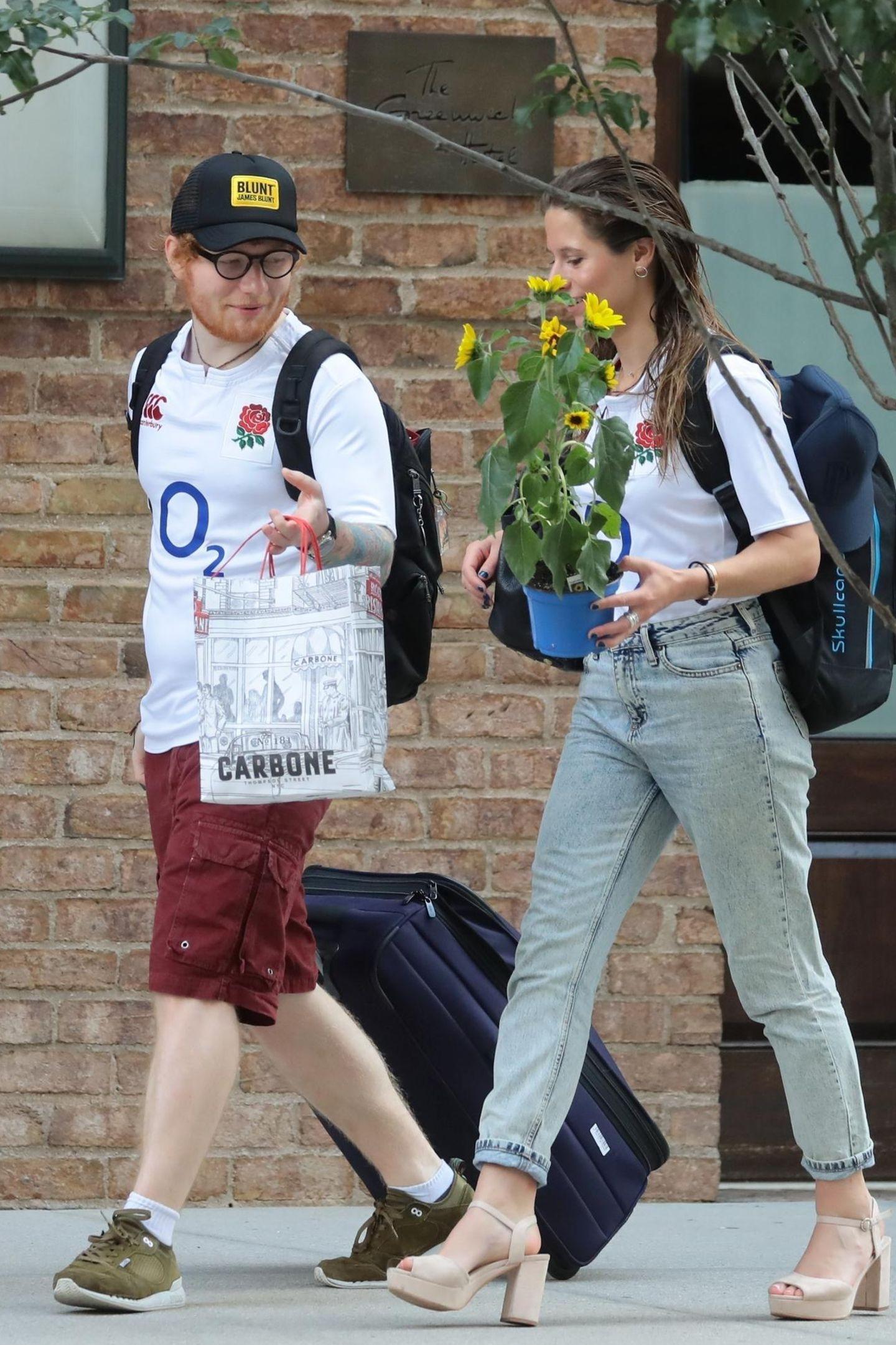 4. Juli 2017  Ein glückliches Paar: Ed Sheeran und seine Jugendliebe Cherry Seaborn sind unterwegs in New York.