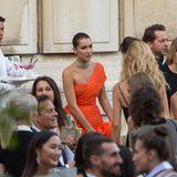 Nach der Armani-Show wird noch gefeiert. Bella Hadid und Derek Blasberg sind unter den Gästen.