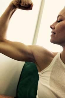 Wow! Was für Muskeln! Schauspielerin Jessica Biel hat einiges zu bieten - da staunt vermutlich Ehemann Justin Timberlake nicht schlecht.