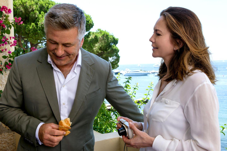 Alec Baldwin und Diane Lane spielen das Hollywood-Paar Michael und Anne Lockwood, deren Liebesleben in Europa durcheinandergewirbelt wird.