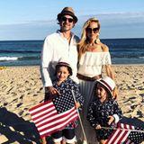 Mit Freunden und Familie feierte Stylistin Rachel Zoe den Unabhängigkeitstag am Strand.