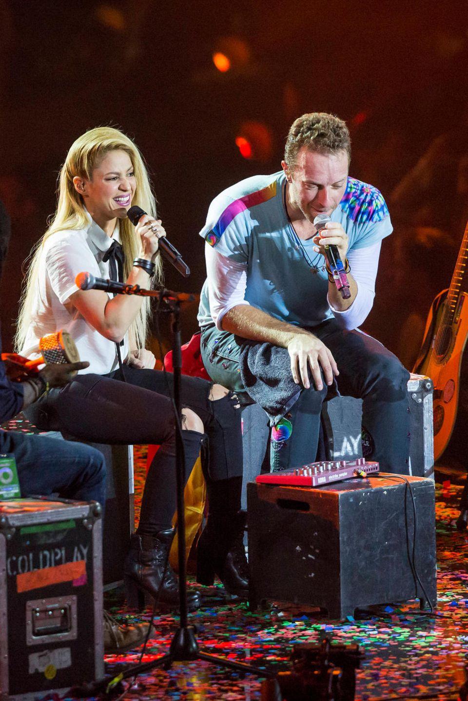 """6. Juli 2017  Internationale Stars wie Shakira und Coldplay stehen beim """"Global Citizen Festival"""" in Hamburg auf der Bühne und sagen so Armut und Ungleichheit in der Welt den Kampf an. Alle Künstler treten an diesem Abend ohne Gage in der Hamburger Barclaycard-Arena auf, um das gemeinnützige Projekt Global Citizen zu unterstützen."""