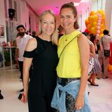 Vanessa Brüske (Comma) und Nadine Eger (Oui) genießen den stylischen Abschluss der Fashion Week in Berlin.