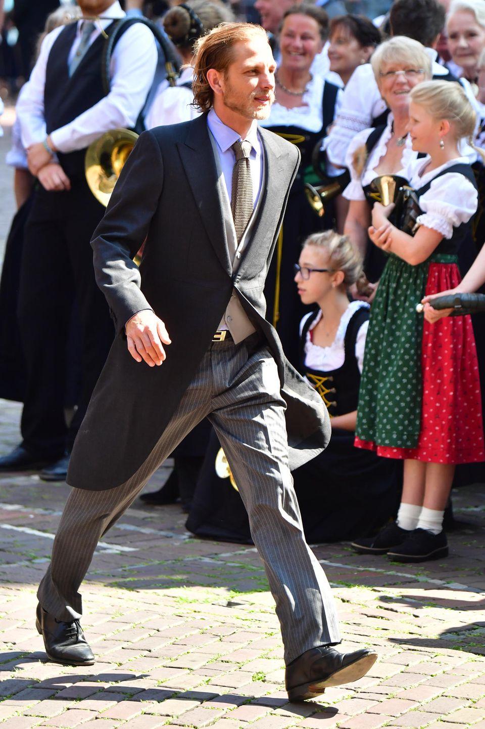 Schnellen Schrittes kommt auch der dritte Casiraghi - nämlich Andrea - in der Altstadt Hannovers an.