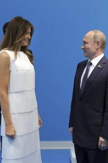 """Melania Trump und Wladimir Putin schütteln sich am Rande des """"G20""""-Gipfels in Hamburg die Hände"""