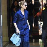 Ziemlich lässig! Celine Dion macht eine Runde Blau in einem ziemlich stylischen Pyjama von Louis Vuitton.